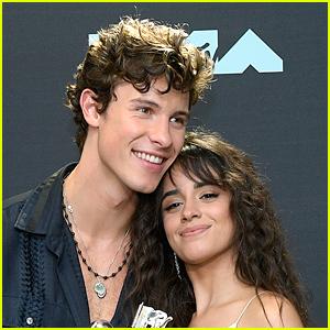 Shawn Mendes & Camila Cabello Accept Award For 'Señorita' at Kids' Choice Awards 2020