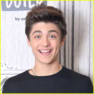 Asher Angel Cut Off All Of His Hair!