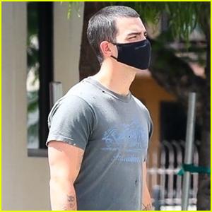 Joe Jonas Heads to Pick Up Lunch in Los Angeles
