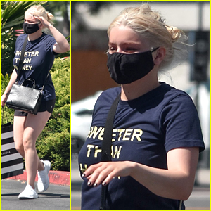 Ariel Winter Stops By Sephora For Supplies While Showing Off New Blonde Hair