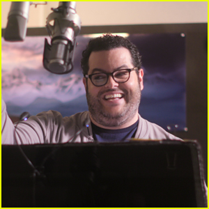 Josh Gad Dishes On The Chances of a 'Frozen 3'