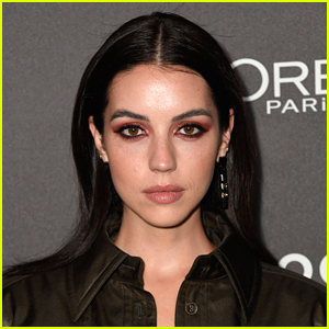 'Reign' Star Adelaide Kane Breaks Down Her Finances & How Much She Really Makes