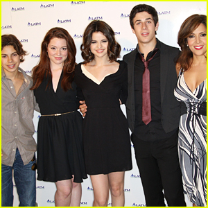 David Henrie Has Some Ideas For a 'Wizards of Waverly Place' Reboot