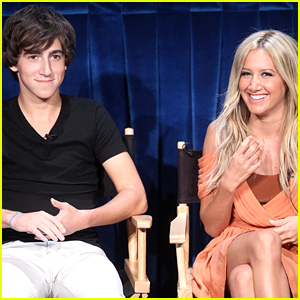 Ashley Tisdale's 'Phineas & Ferb' Co-Star Vincent Martella Reacts To Pregnancy With Funny Tweet Ashley Tisdale's 'Phineas & Ferb' Co-Star Vincent Martella Reacts To Pregnancy With Funny Tweet