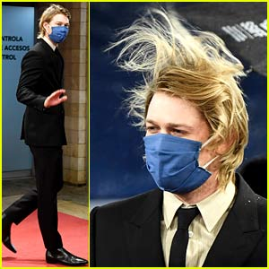 Joe Alwyn Gets Caught in a Storm at Film Festival in Spain