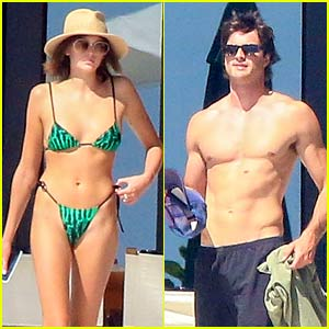 Kaia Gerber & Jacob Elordi Show Off Hot Bodies in Mexico - See Photos!