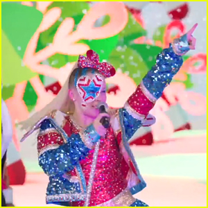 Get An Exclusive Sneak Peek at JoJo Siwa's Performance From 'The All-Star Nickmas Spectacular'