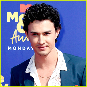 Gavin Leatherwood Shares Shirtless & Bloody BTS Photo From 'Sabrina'