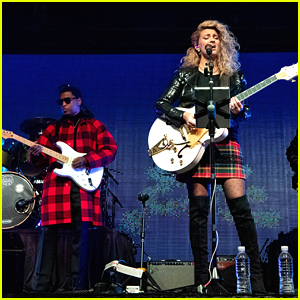 Tori Kelly Performs Christmas Concert With Babyface (Photos)
