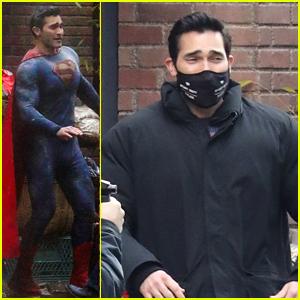 Tyler Hoechlin Looks Super Buff In New Super Suit On 'Superman & Lois' Set
