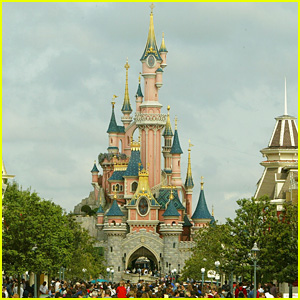 Disneyland Paris Extends Closure To April Due to 'Prevailing Conditions' In Europe
