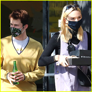 Dylan Minnette & Lydia Night Grab Takeout For Lunch In The Park