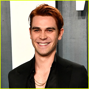 KJ Apa Reveals New Details About 'Riverdale' Post Time Jump!