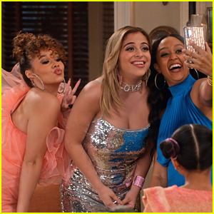Baby Ariel Plays a Pop Star In This New Clip From 'Family Reunion' - Exclusive!