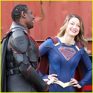 Melissa Benoist Spotted On 'Supergirl' Set For The First Time (Photos)