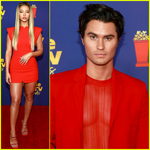 Outer Banks' Madelyn Cline & Chase Stokes Meet Up With Co-Stars at MTV Movie & TV Awards 2021!