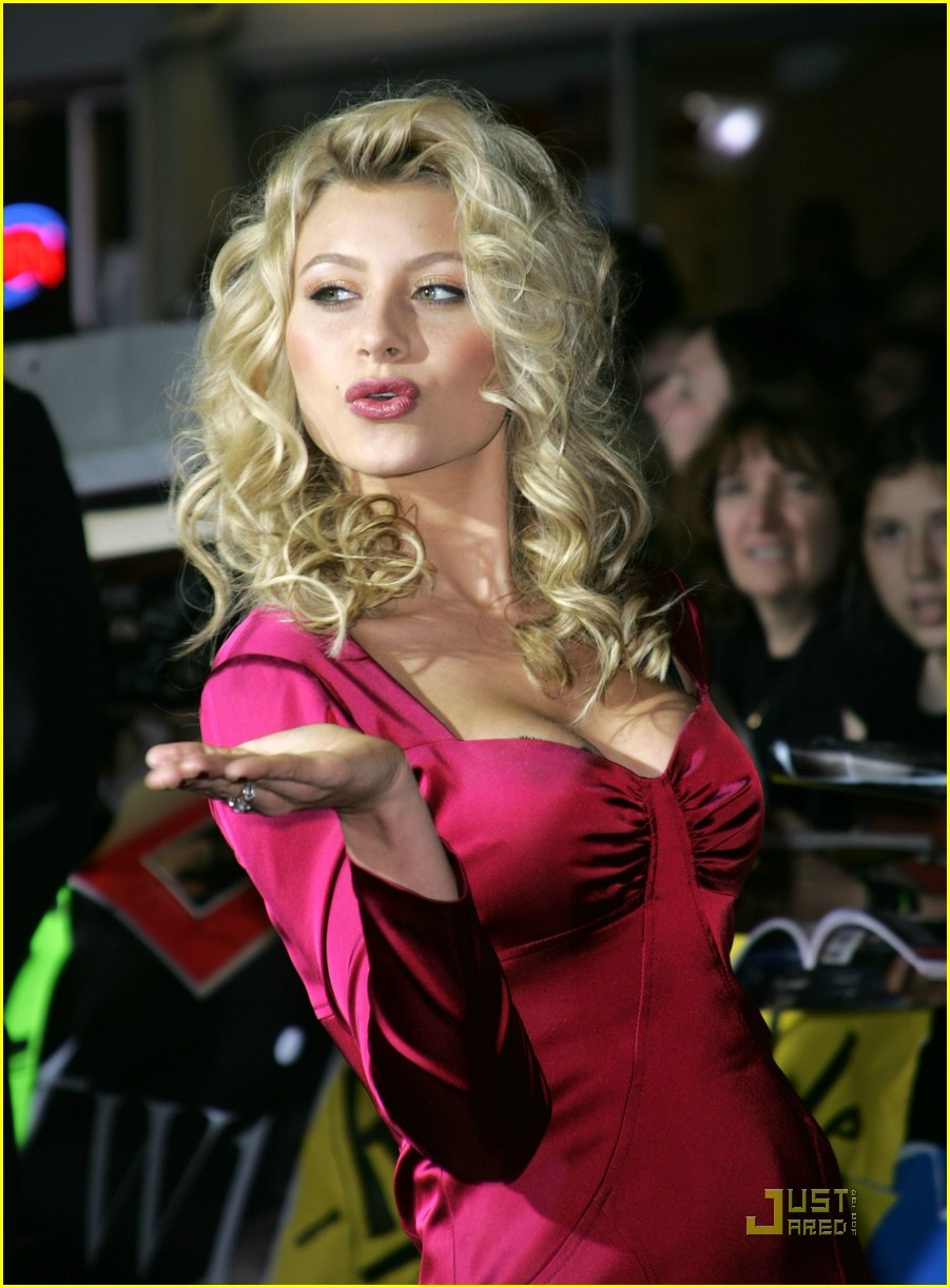 alyson michalka twilight premiere 08