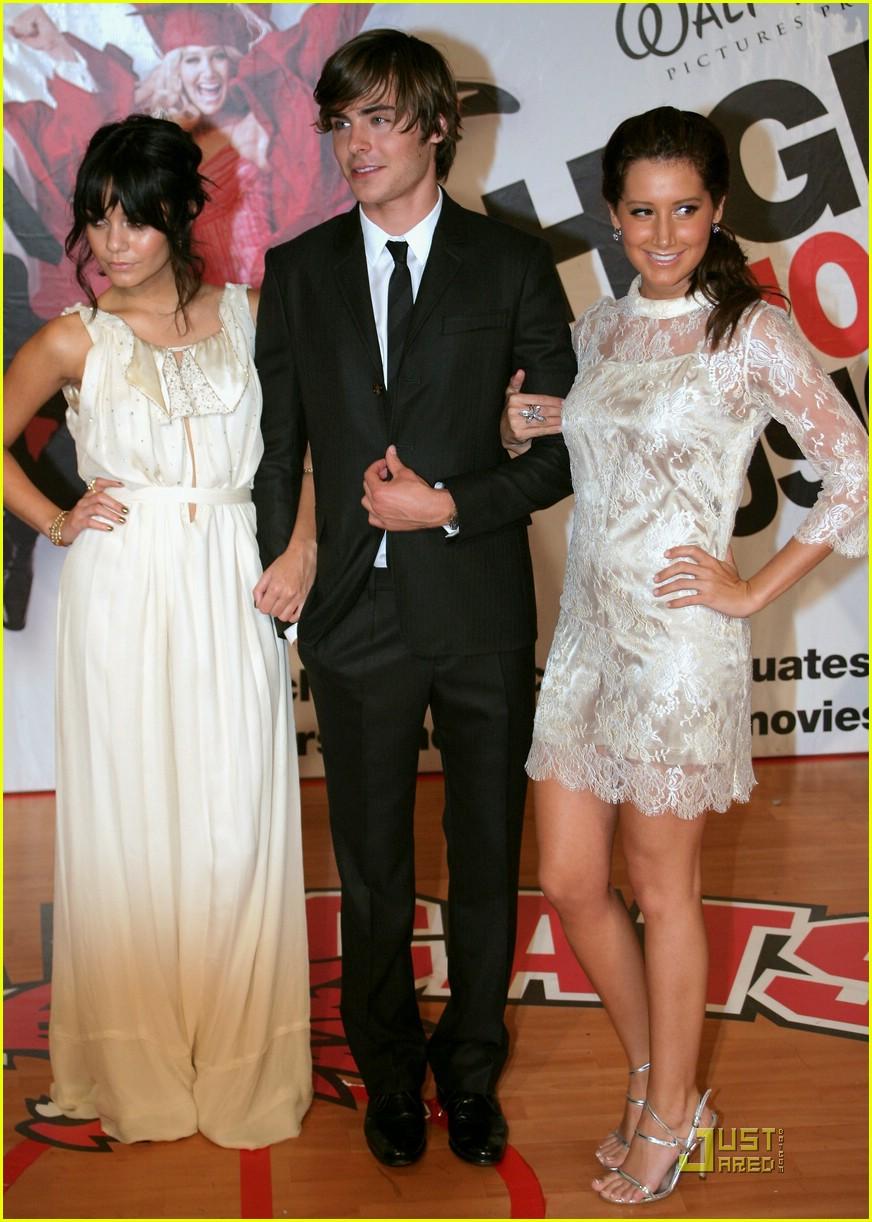 Full Sized Photo of high school musical 3 australia ... Zac Efron