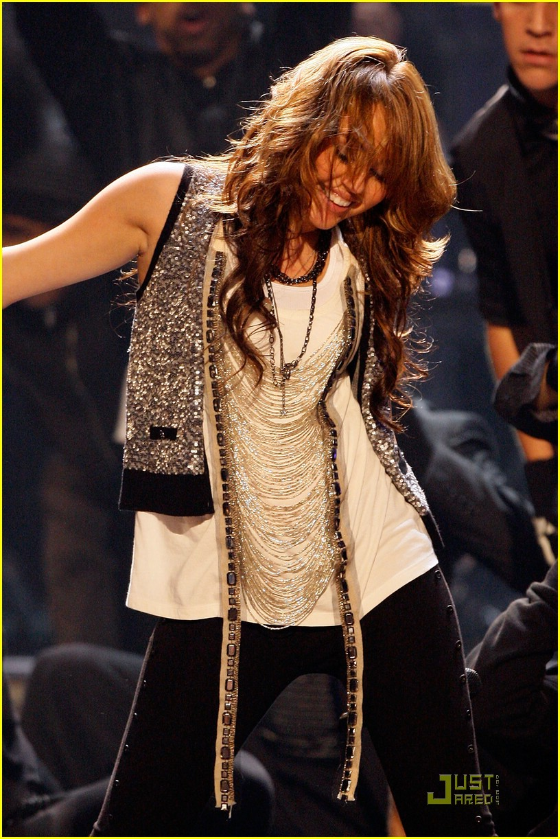 miley cyrus ama show 06