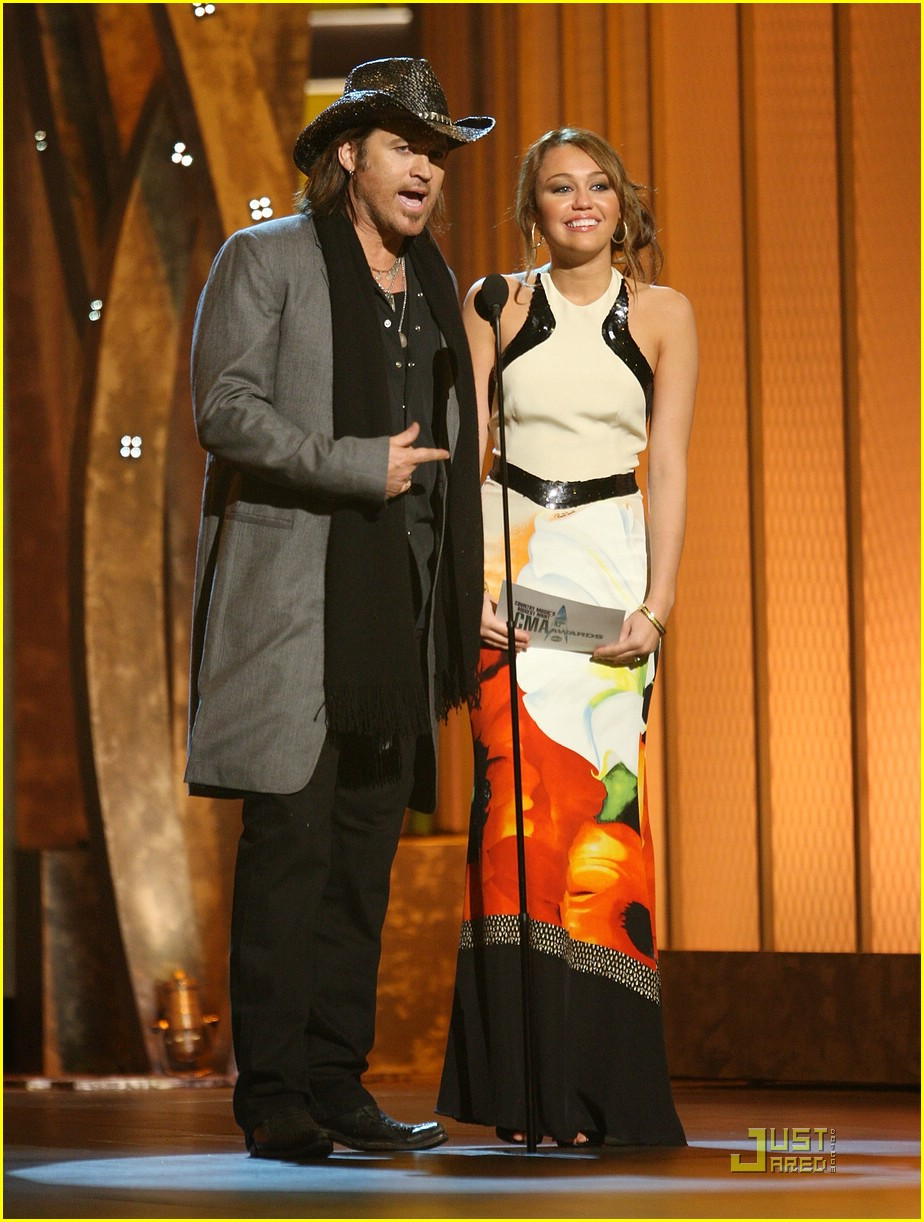 miley cyrus awards cma 10