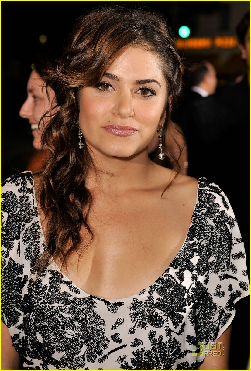 nikki reed twilight premiere 02