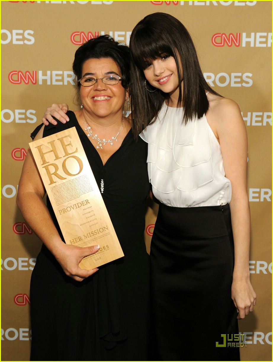 selena gomez cnn hero 03
