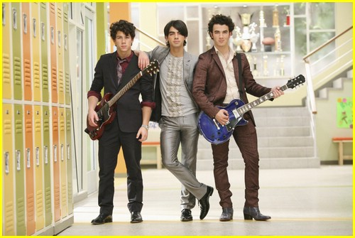 jonas series stills 04