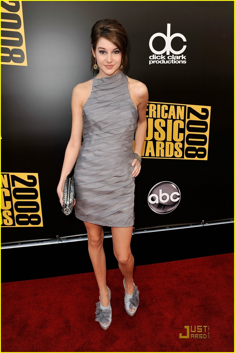 shailene woodley ama awards 11