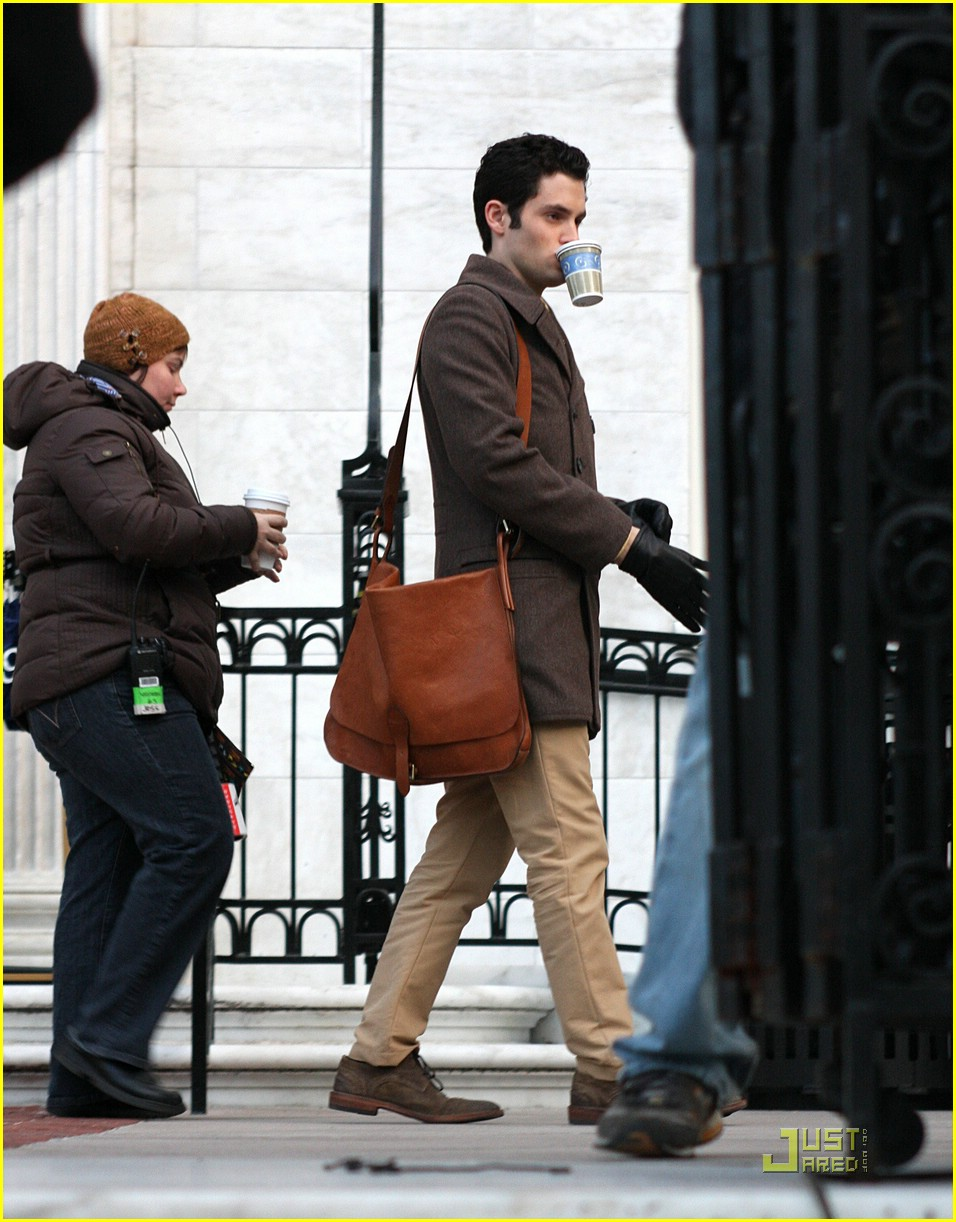 blake lively penn badgley gg set 07