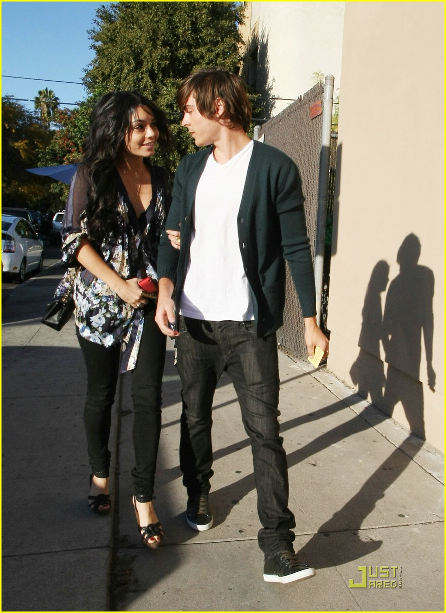 zac efron vanessa hudgens birthday 08