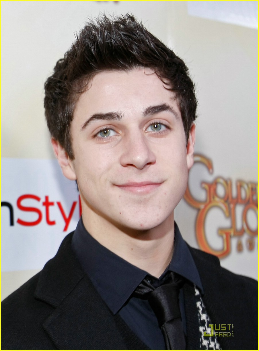 david henrie lucy hale salute hollywood 07