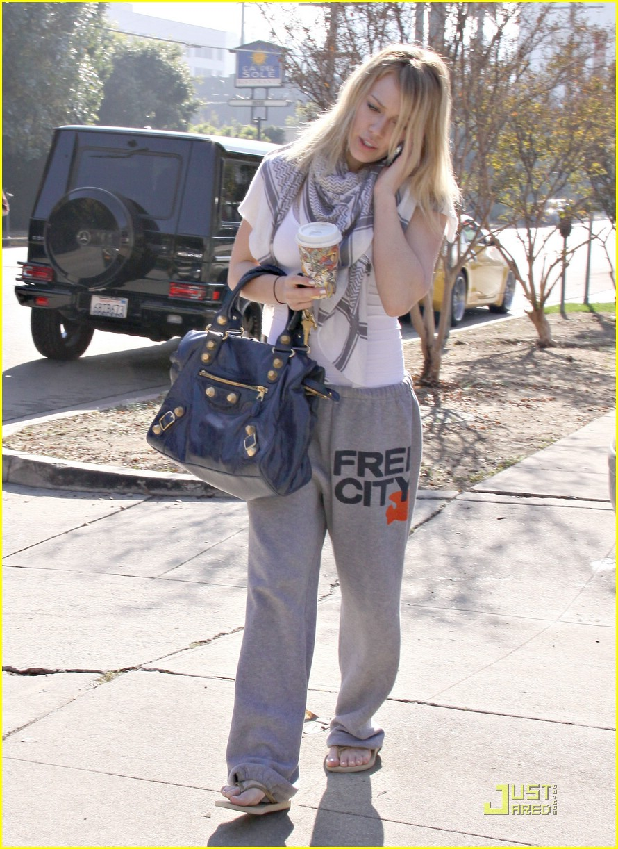 hilary duff pilates class 02