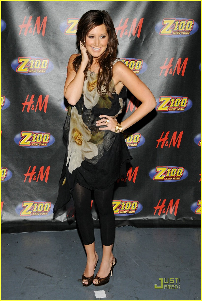 ashley tisdale jingle ball arrival 12