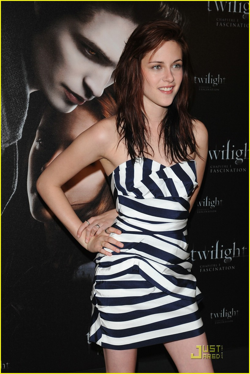 kristen stewart twilight paris 03