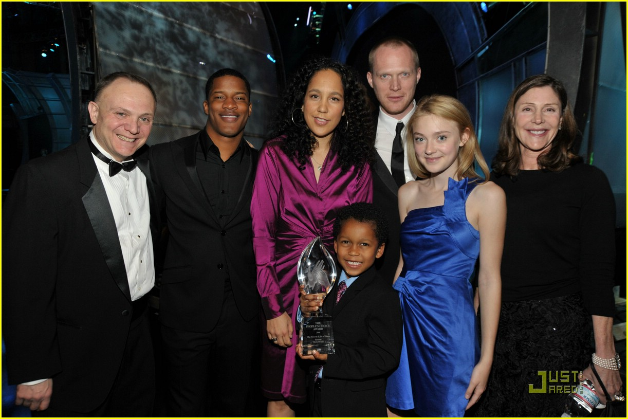dakota fanning peoples choice awards 24