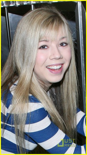 jennette mccurdy yogurt land 04