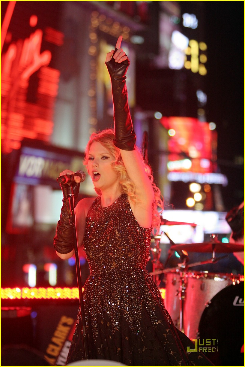 taylor swift new year eve 15