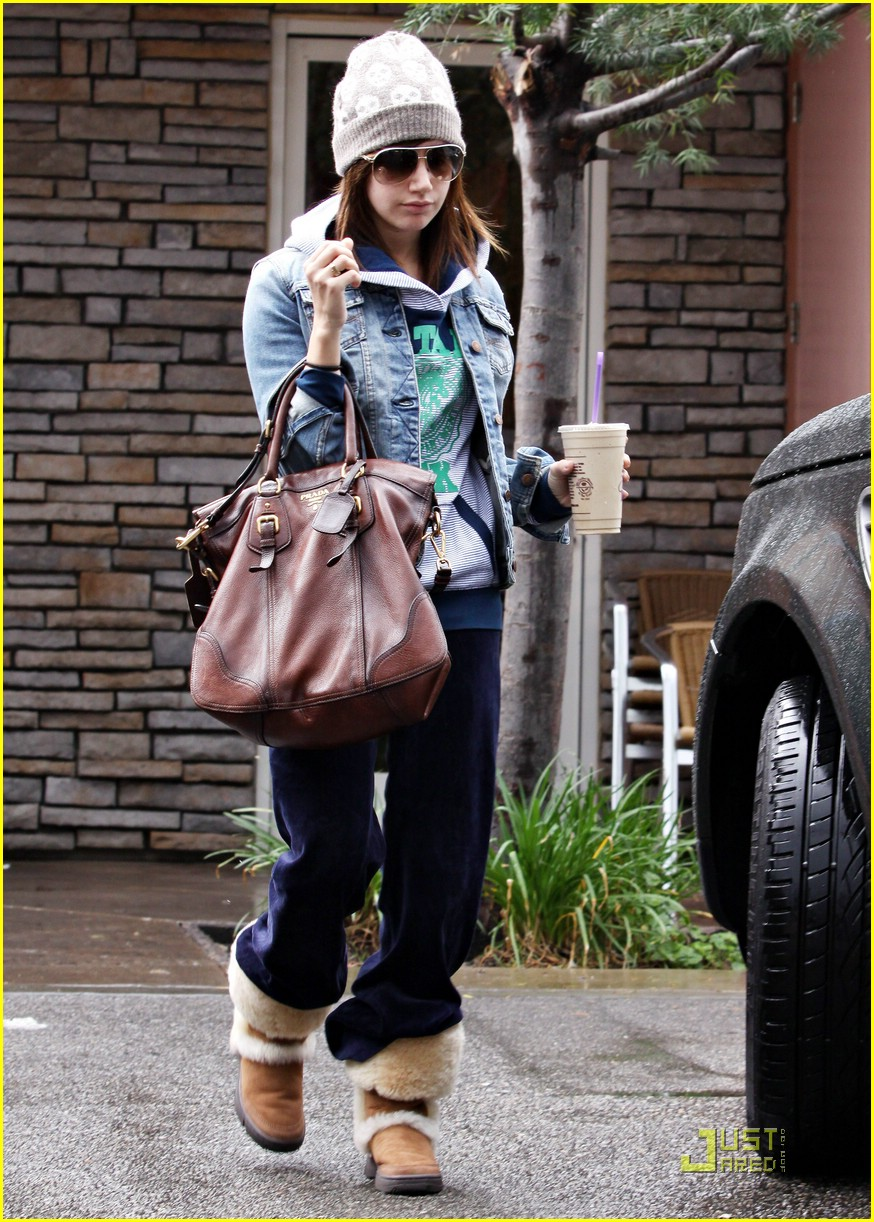 ashley tisdale prada purse 10