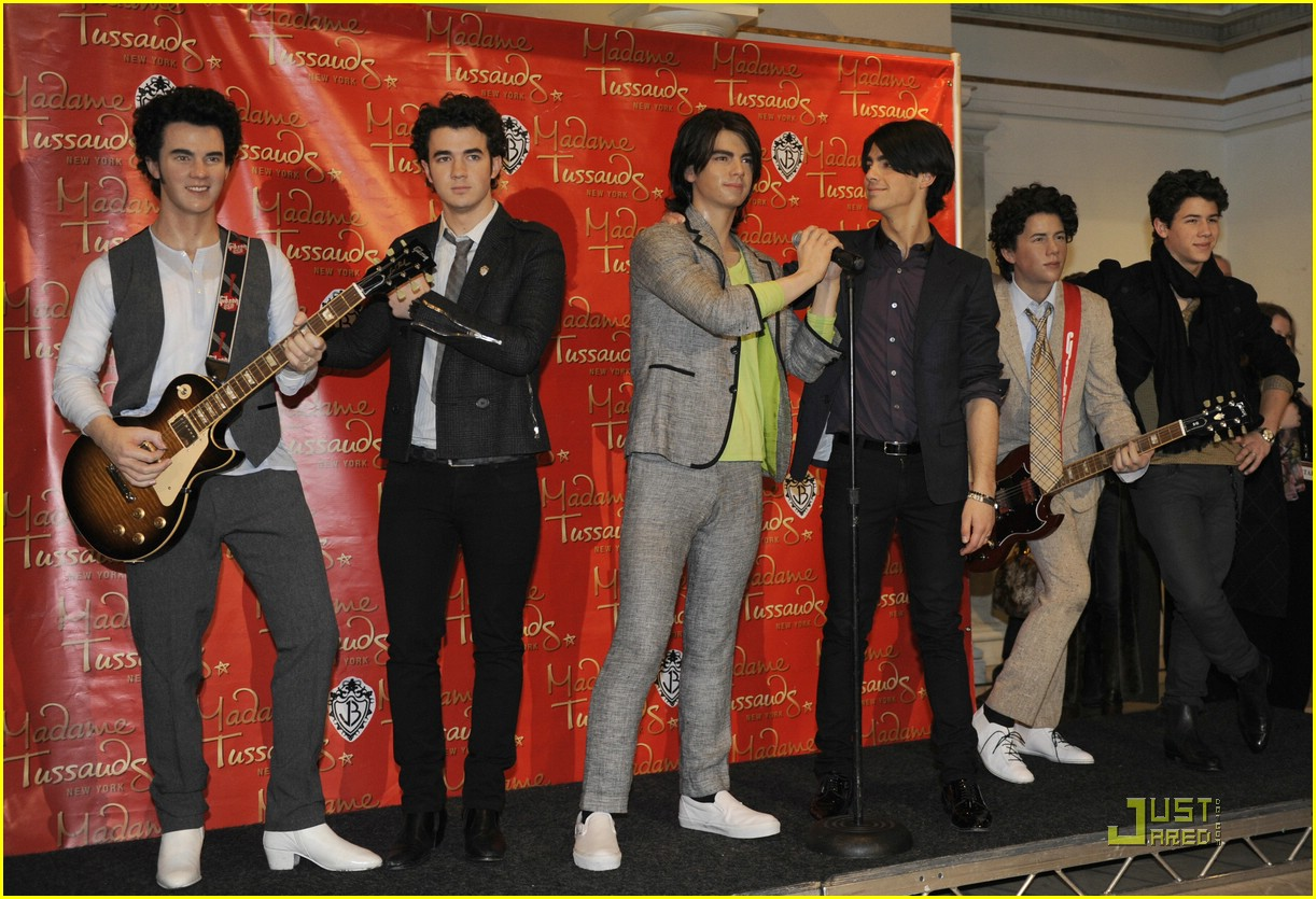 jonas brothers madame tussauds 13
