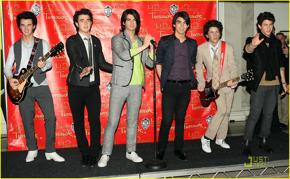 jonas brothers madame tussauds 22