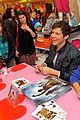 Simon-vic-spec simon curtis victoria justice signing 06