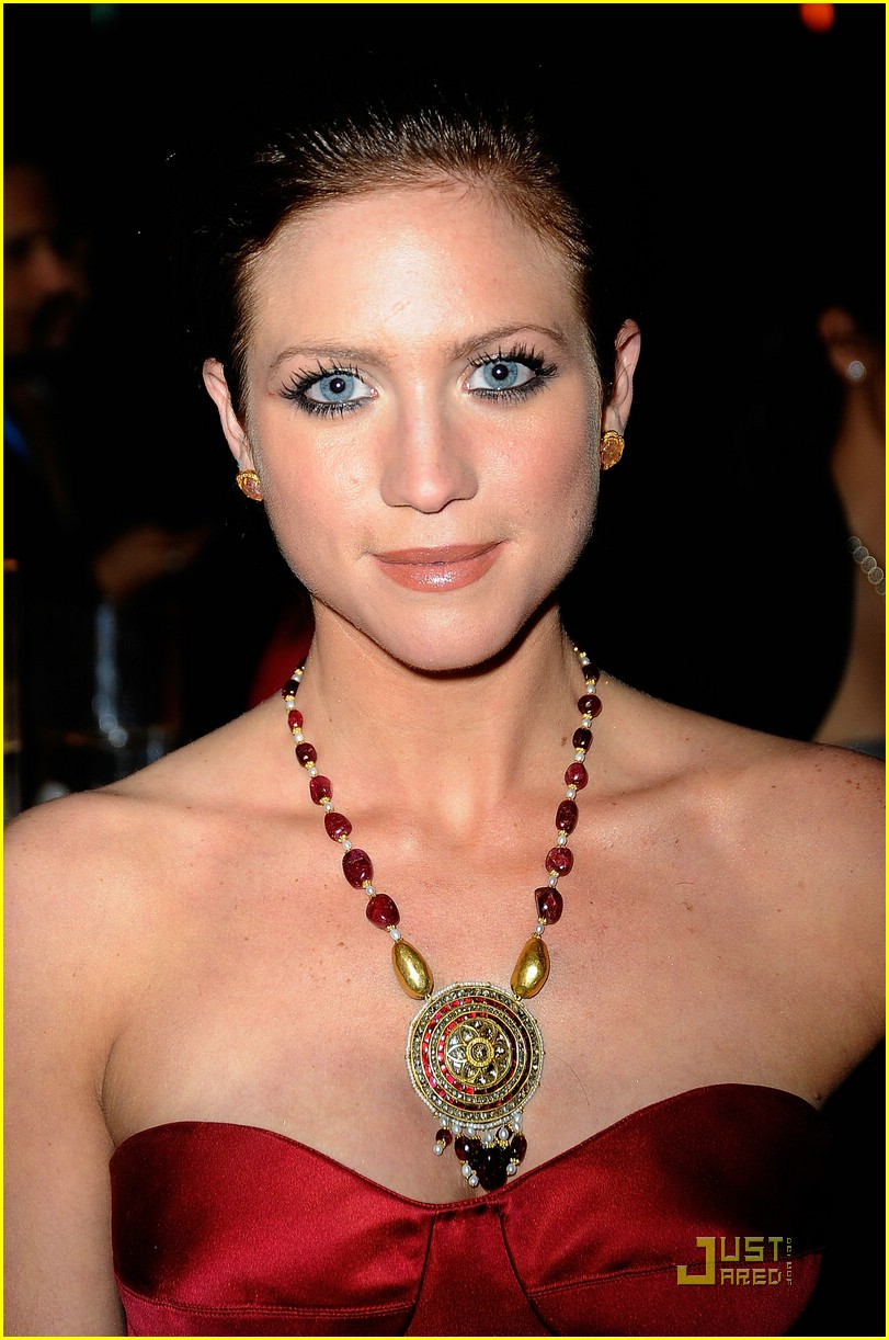 brittany snow oscar party 02