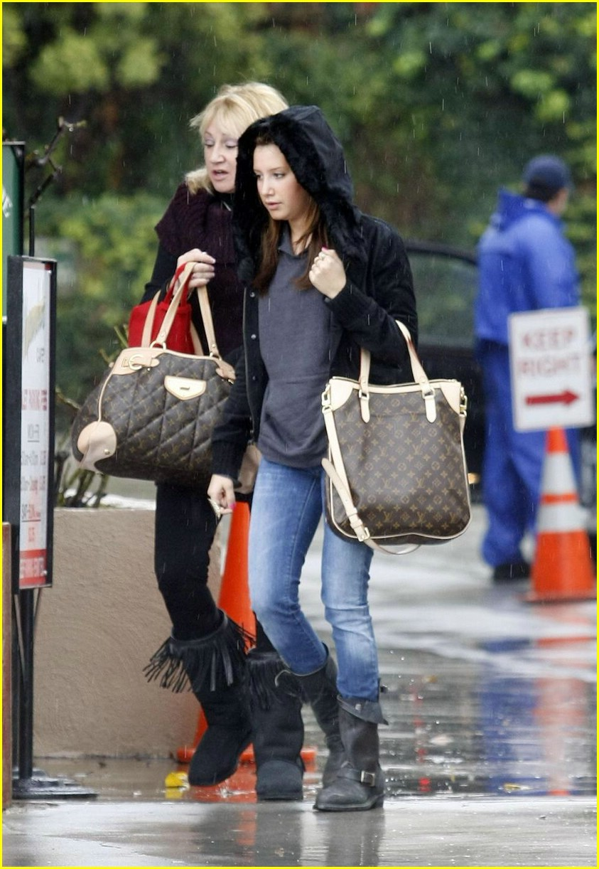 ashley tisdale rain in la 03