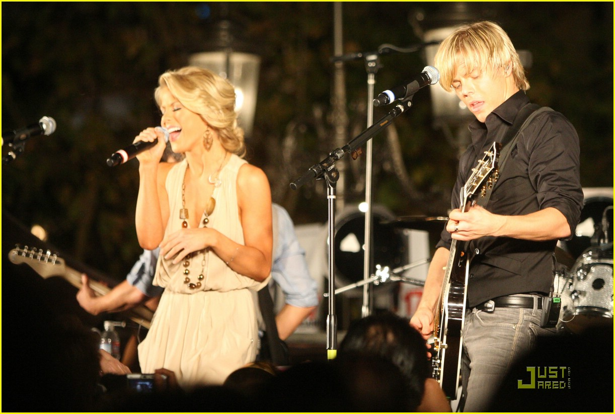 julianne hough derek hough grove bhb 07