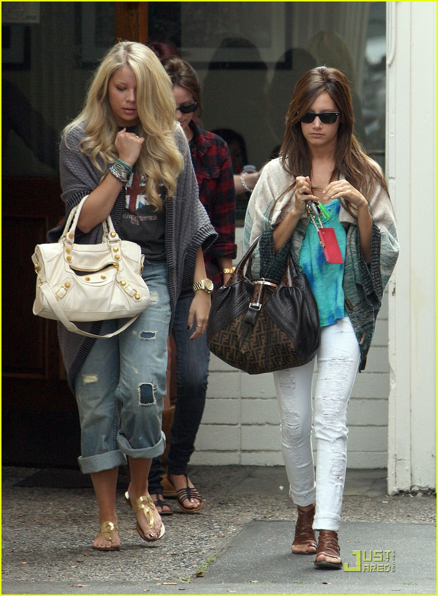 ashley tisdale samantha droke patys 11