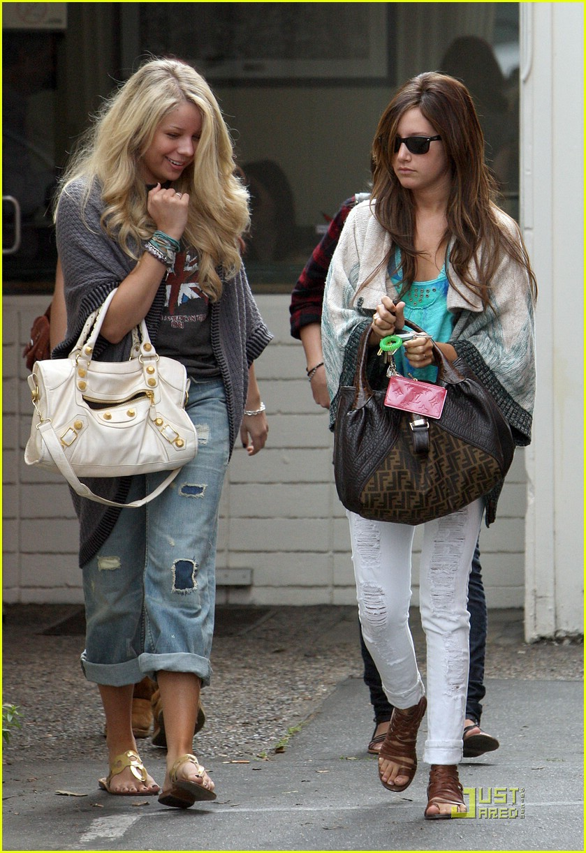 ashley tisdale samantha droke patys 12
