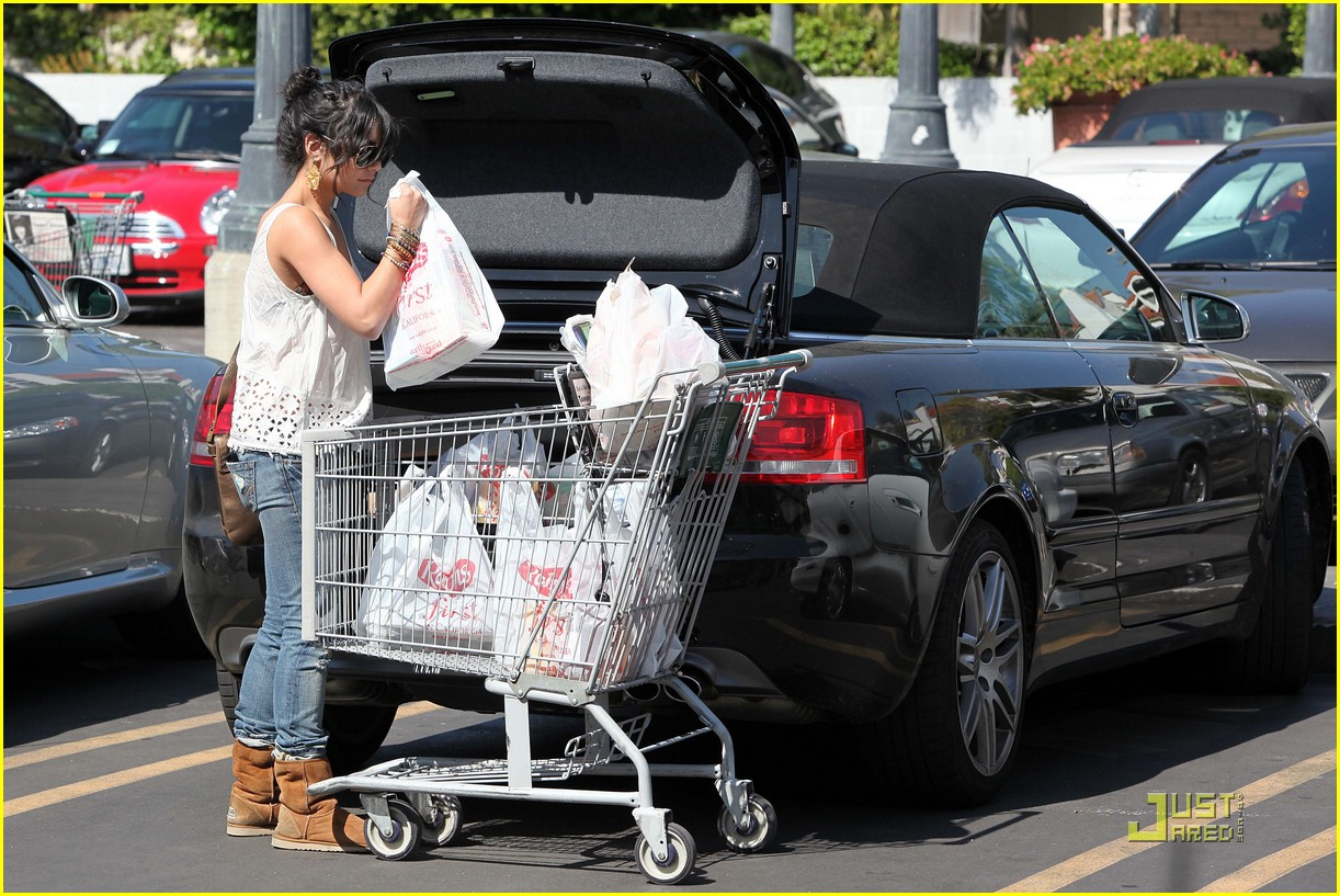 vanessa hudgens grocery girl 06