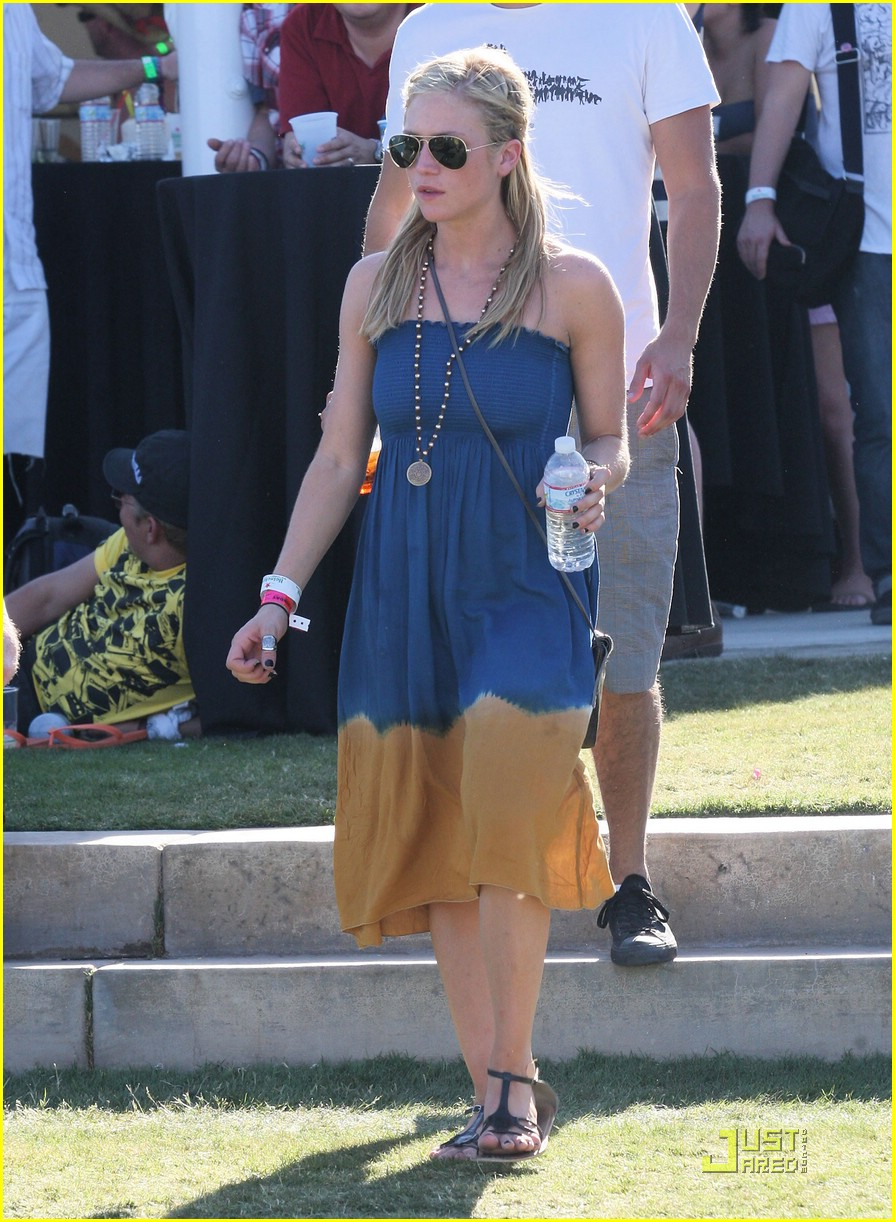 brittany snow coachella music 02