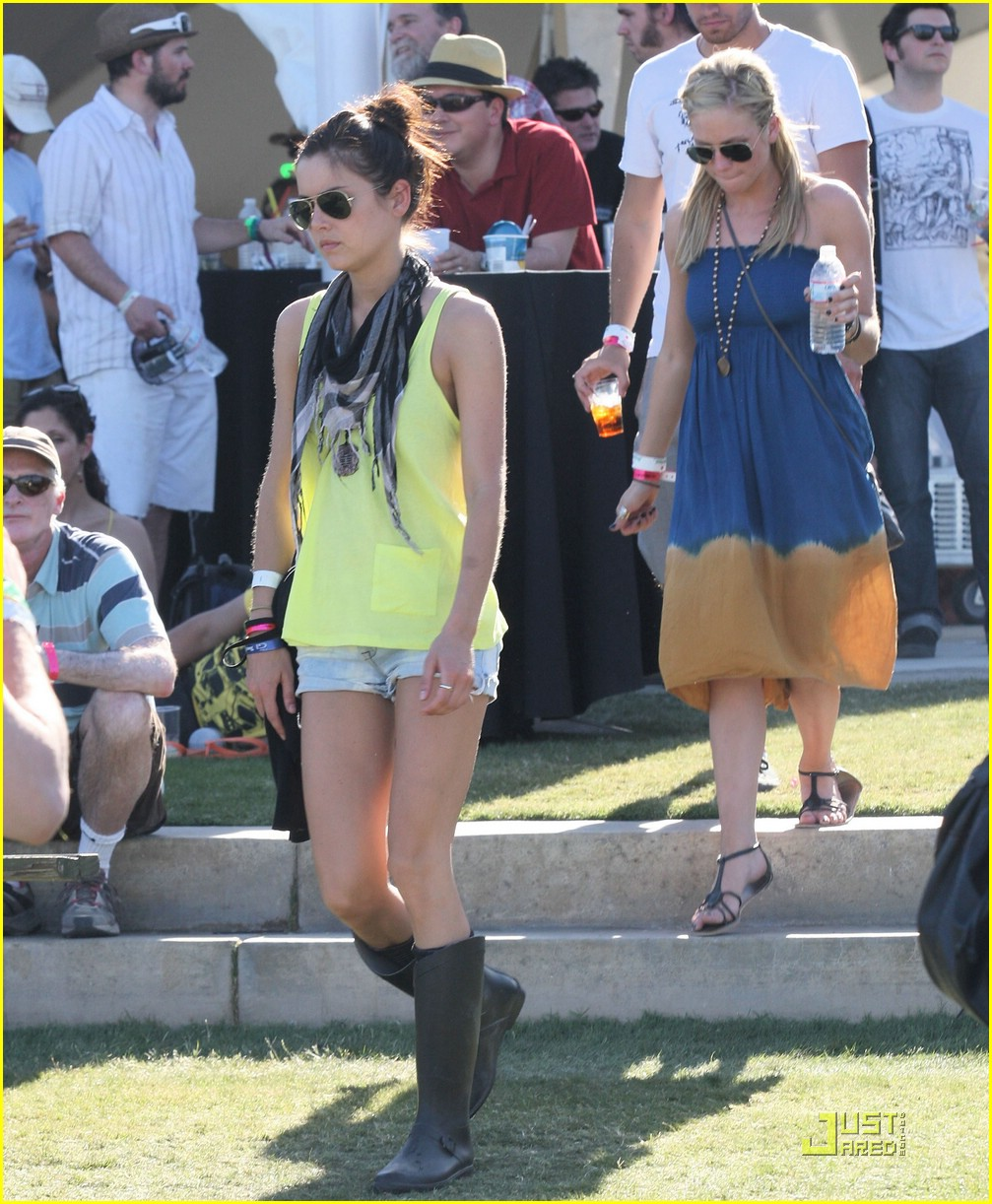 brittany snow coachella music 13