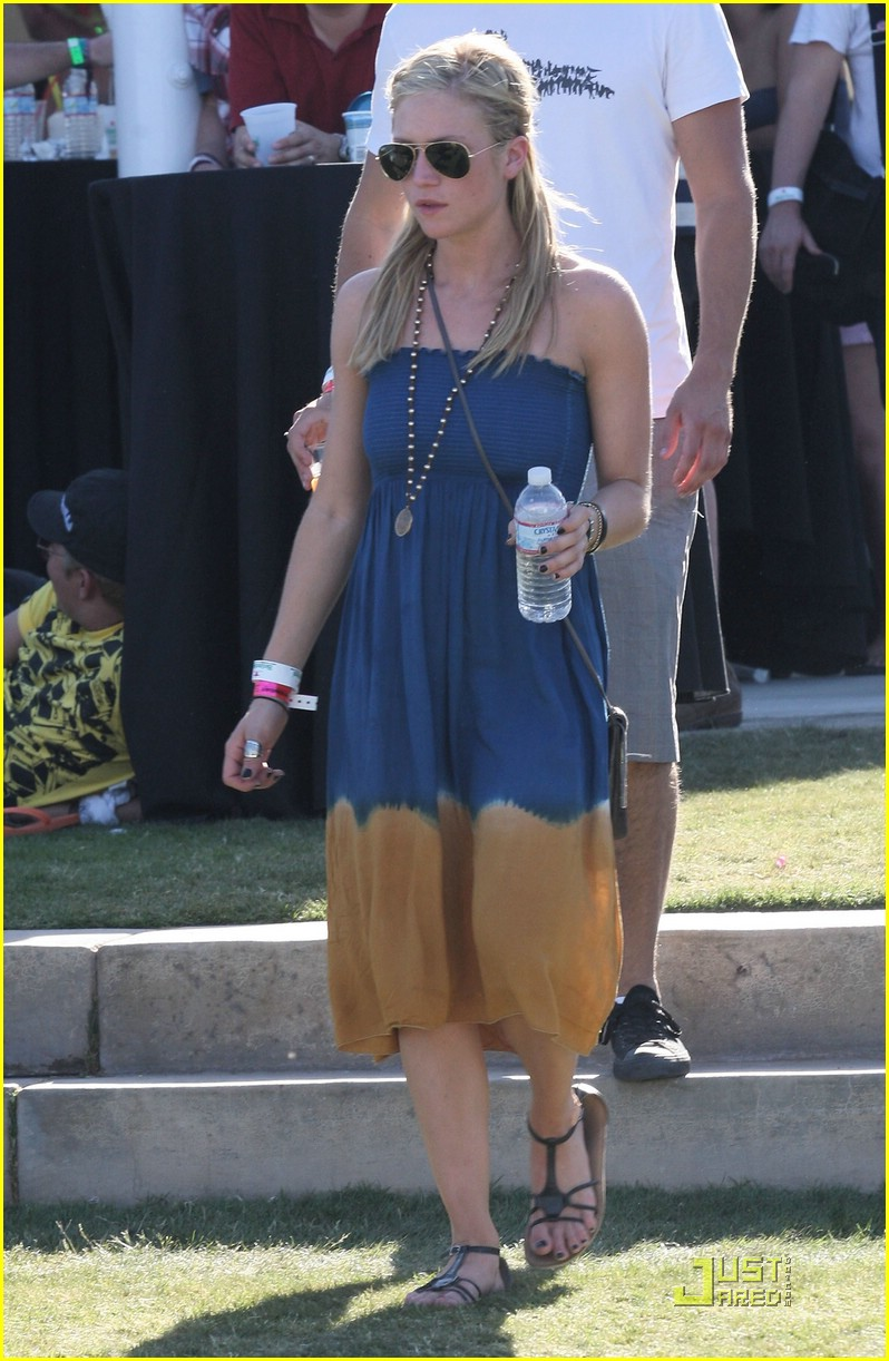brittany snow coachella music 16